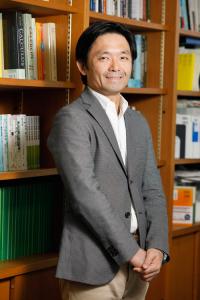 井坂 元彦 教授